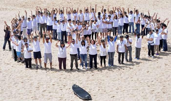 Mercedes-Benz promove ação na Praia Grande