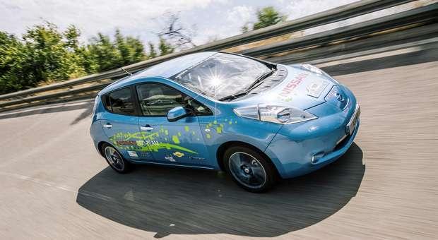 Engenheiros da Nissan criaram protótipo LEAF 48kWh