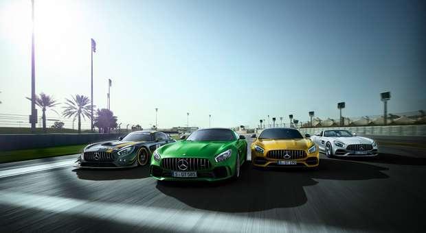 A Mercedes celebra 50 anos com novos modelos desportivos