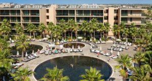 Salgados Palm Village no top 25 dos melhores hotéis família