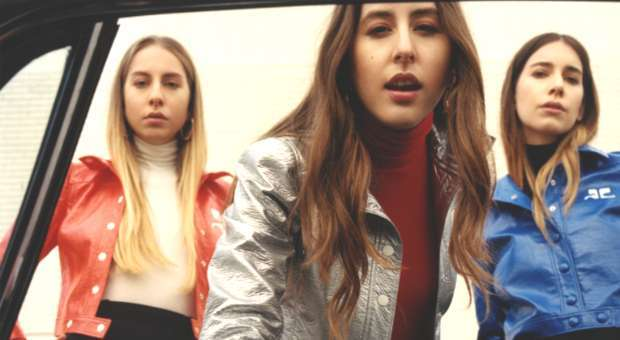 "As Haim lançam novo álbum ""Something to Tell You"" a 7 de julho"