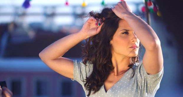 Mariana Norton lança videoclipe a canção DIFERENTE