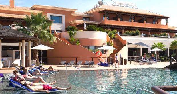 Festas todos os dias no Monte Santo Resort no Carvoeiro
