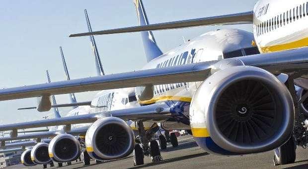 Tripulantes de Cabine da Ryanair avançam para a greve
