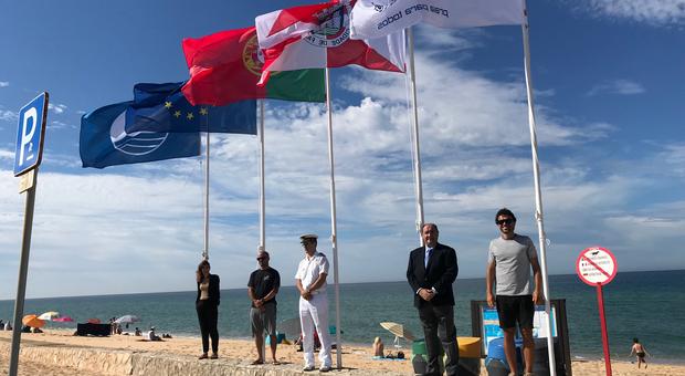 Bandeiras Azuis hasteadas nas Praias de Faro