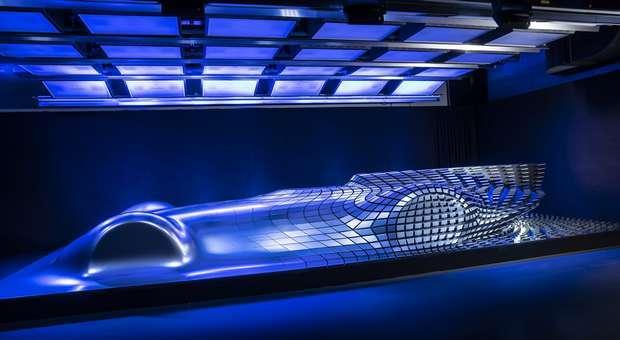 "Escultura Mercedes Benz ""Aesthetics Progressive Luxury"