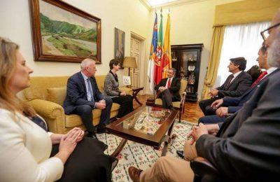 Klára Breuer embaixadora da Hungria visita os Açores
