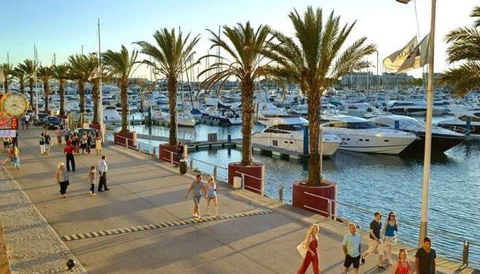 AHETA condena a introdução da Taxa Turística no Algarve