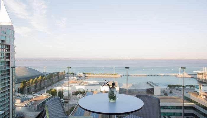Sky Bar do Tivoli Oriente programa sunsets de Lisboa