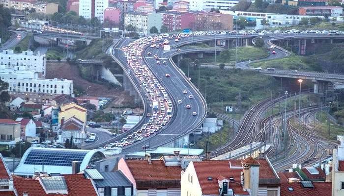 Como é que o trânsito afeta a vida dos portugueses?