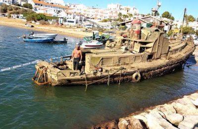 Removidas embarcações afundadas na Ria de Alvor