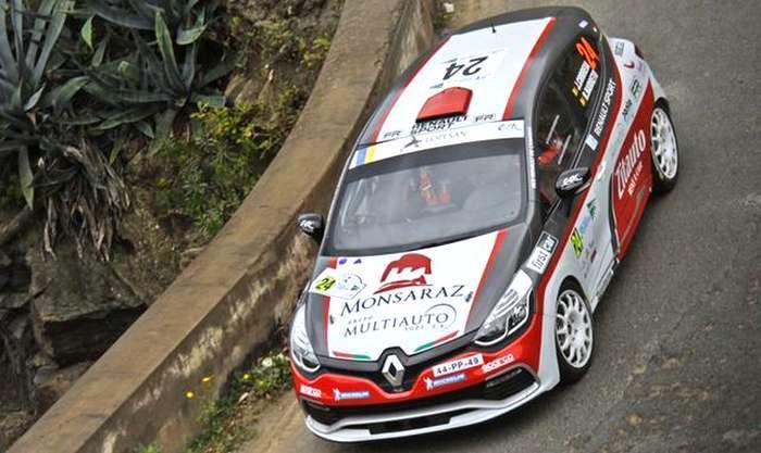João Correia em Renault Clio R3T