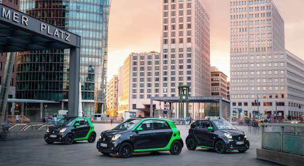 smart apresenta os novos modelos electric em Paris