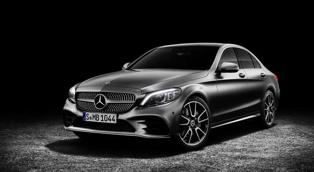 Classe C da Mercedes Benz produzido em 4 continentes