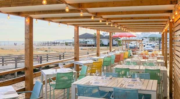 Restaurante Só Verão na Praia de Armação de Pera