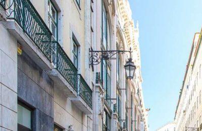 300 a 350 euros é o valor ideal da renda para estudantes