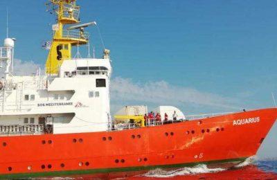 Portugal vai recebe 30 migrantes do navio Aquarius