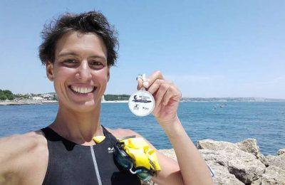 Atletas nadam em apoio à Alzheimer Portugal