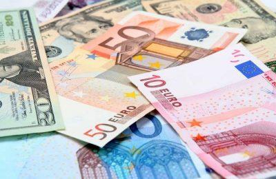 Dinheiro físico substituído por transações eletrónicas