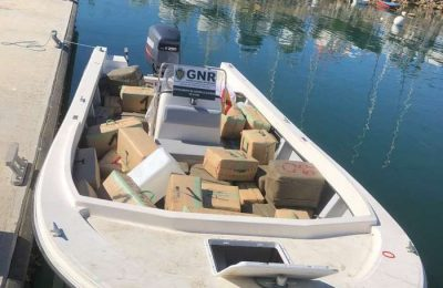 GNR interceta embarcação com 2 toneladas de haxixe