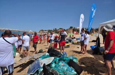Vamos Limpar o Mar na Praia de Vale Olival em Lagoa