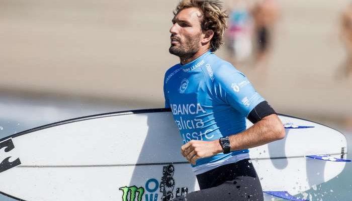 Frederico Morais classificou-se esta sexta-feira em 9.º posto no QS10000 de Pantín, que decorre na Galiza. O surfista português só foi travado nos oitavos-de-final da prova espanhola