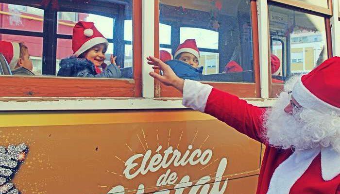 Elétrico de Natal da CARRIS volta às ruas de Lisboa
