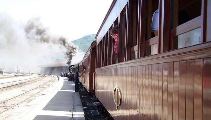 Comboio Histórico da CP volta a circular na Linha do Vouga