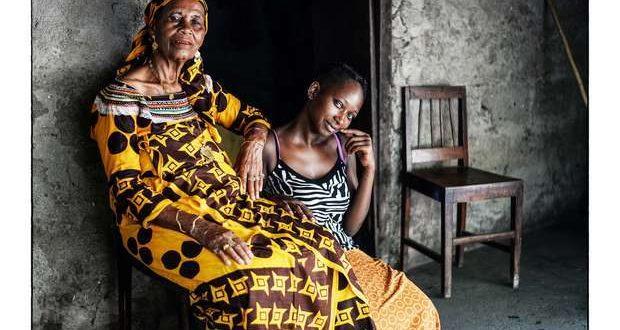 """O Centro de Arte e Cultura da Fundação Eugénio de Almeida em Évora, expõe partir do dia 19 de setembro, """"Ilhéus de Moira Forjaz"""", uma série de retratos fotográficos de habitantes da Ilha de Moçambique, os grandes protagonistas desta exposição."""