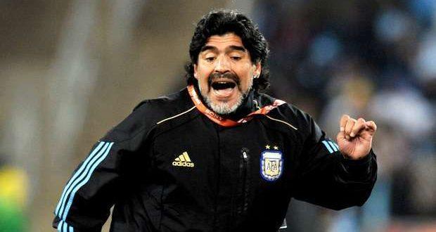 Morreu o mágico, morreu Maradona