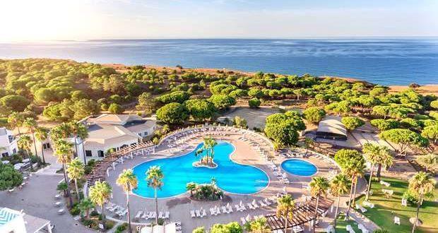 O AP Adriana Beach Resort reabre a 5 de maio