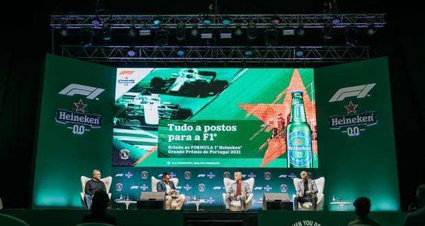 Troféu oficial da Formula 1 chegou com Tiago Monteiro