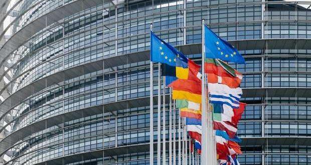 Parlamento Europeu debate certificado Covid da UE